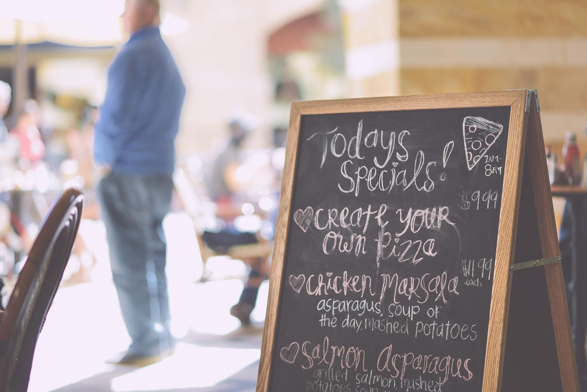 Kundenstopper Cafe Gehwegaufsteller Werbung